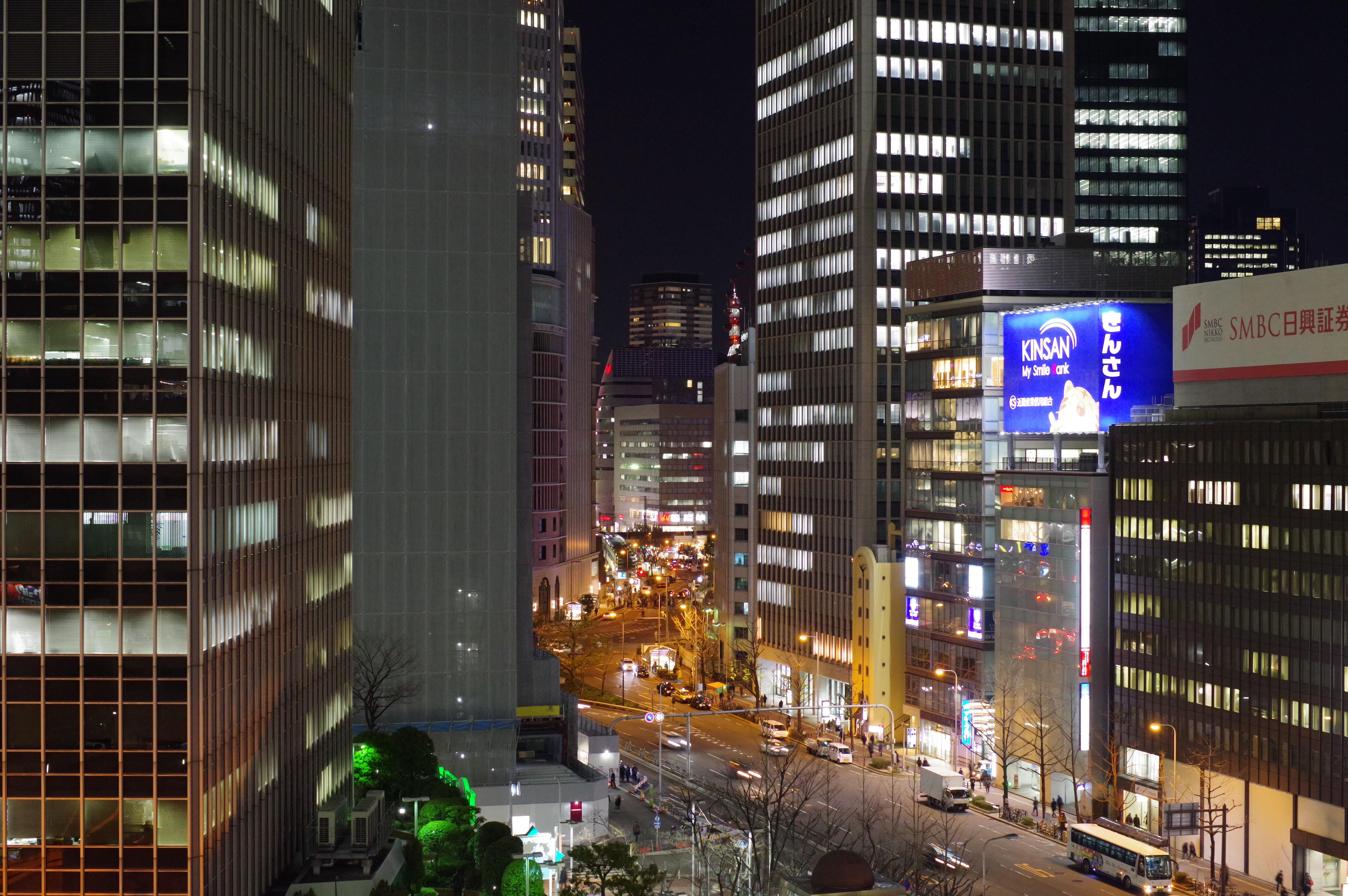 http://www.yaotomi.co.jp/blog/used/night3200.JPG