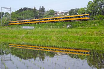 近鉄12200系_室生湖_2013yaotomi_12s.jpg