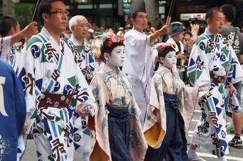 祇園祭山鉾巡行_2013yaotomi_6s.jpg