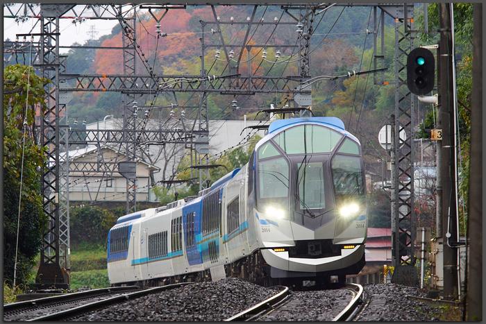 近鉄・しまかぜ(PB260247,Top)2014yaotomi_.jpg