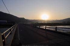 若桜鉄道,撮影地(P3210120,12 mm,f-7.1,E-M1)2015yaotomi_.jpg