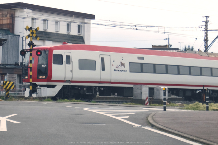 長野電鉄 冬景色(DSCF4510,26 mm,F4.9,1-480 秒,iso100)2016yaotomi_.jpg