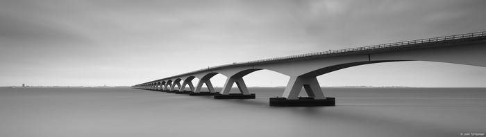 Hero_JoelTjintjelaar_Bridge_3000px.jpg