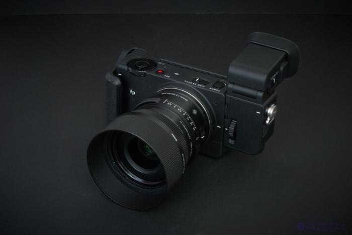 DSC_0075,70 mm,F25,iso100.jpg